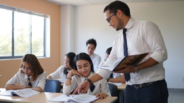 Hồ sơ xét tuyển Cao đẳng tiếng Anh năm 2020 gồm những gì?