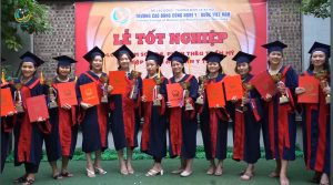 Học viên hoàn thành khóa học Tập huấn An toàn Y tế tại Trường Cao đẳng Công nghệ Y - Dược Việt Nam