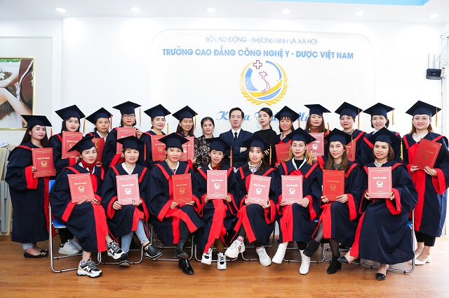 Tại sao nên chọn học phun thêu thẩm mỹ tại Cao đẳng Công nghệ Y – Dược Việt Nam